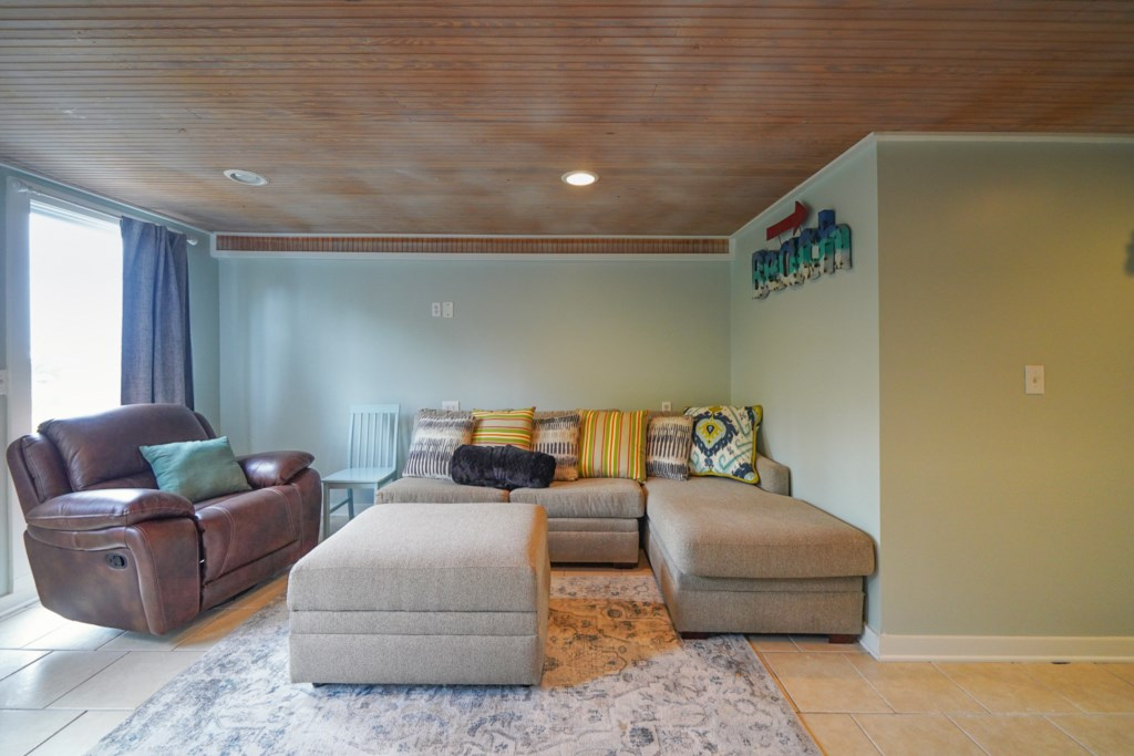Great natural lighting and comfortable seating