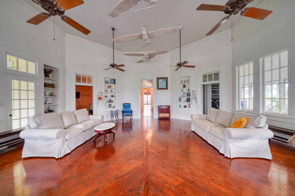 Welcome to The Main House at The Grove; An Old Florida estate featuring 5 bedrooms & 4.5 baths