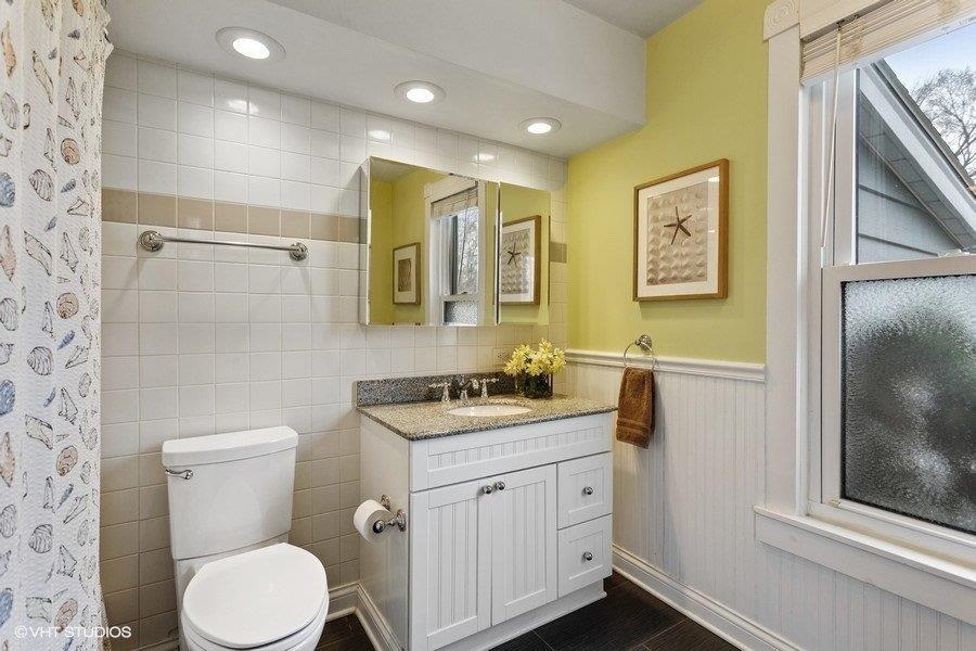 Bathroom #2 (Alt Angle)