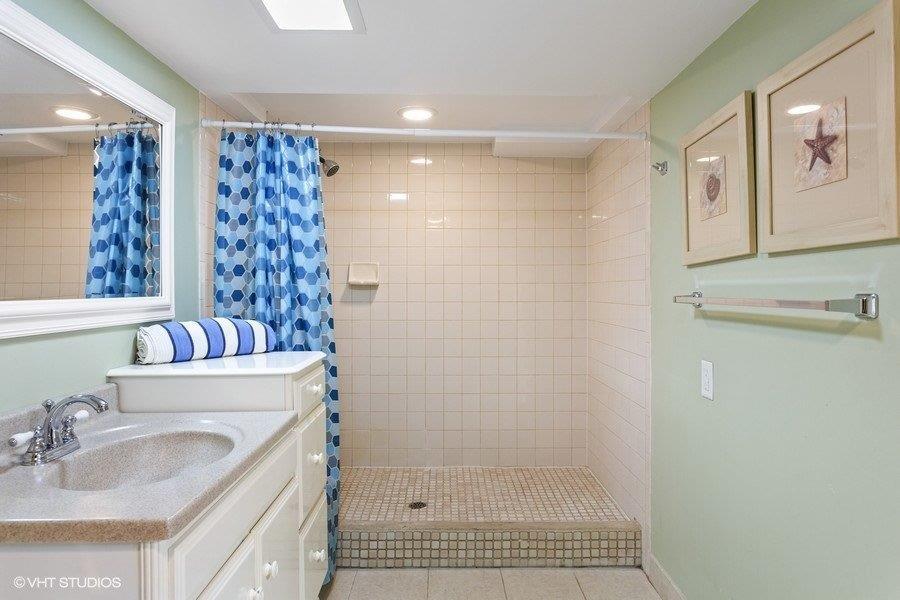 Basement Full Bathroom (Shower)