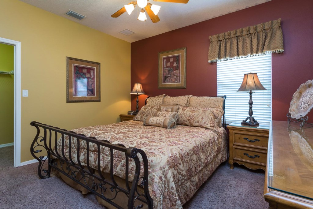 Lovely downstairs king master suite 2 bedroom