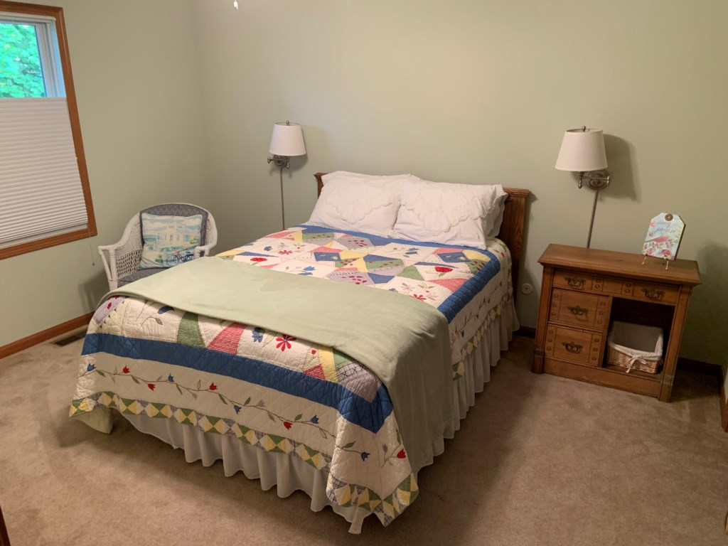 queenbedroom