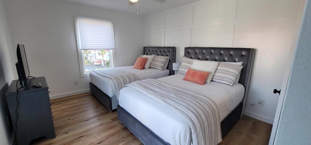 Second bedroom with 2 full size beds