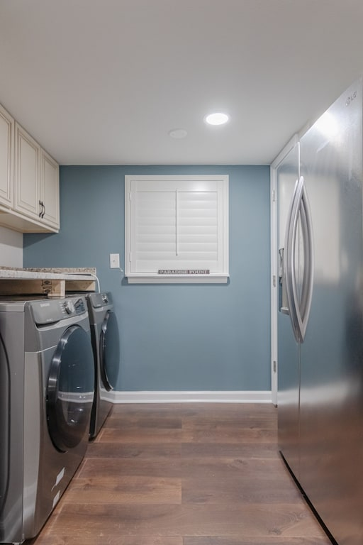 Kitchen - also offers a full size washer & dryer