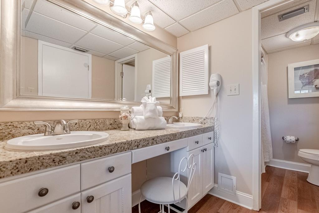 Master Bathroom off Bedroom