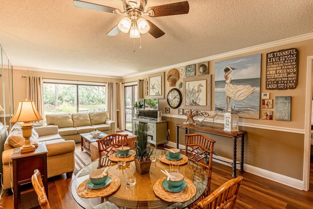Open living Room/ Dining Room