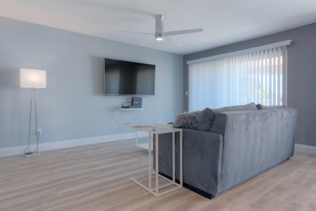UHD 4K TV's in every room, 75 mbit WIFI