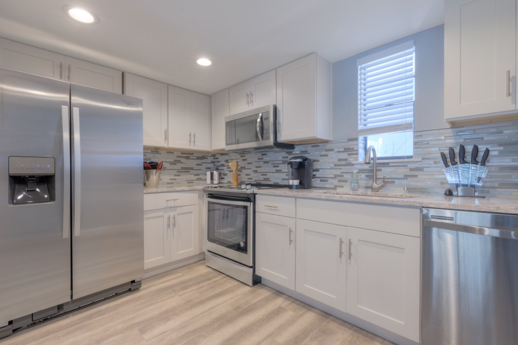 Upgraded Whirlpool Stailess Steel Appliances