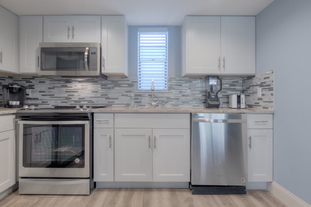 Upgraded Stailess Steel Appliances