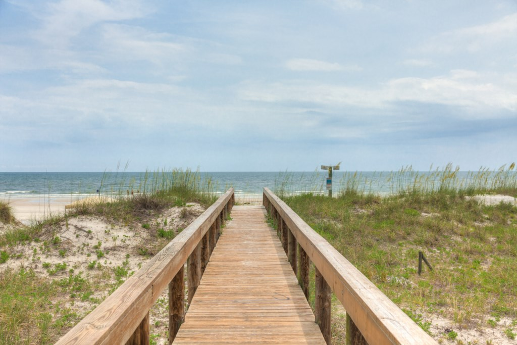 Steps to the Beach - Your Gateway to Paradise