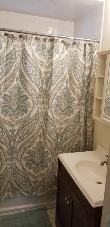 Bathroom upper.jpg