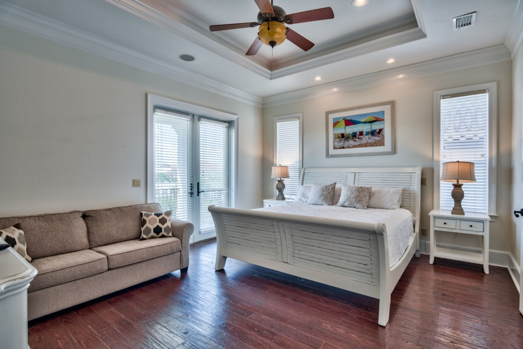 Spacious 3rd Floor Master Suite with Balcony access