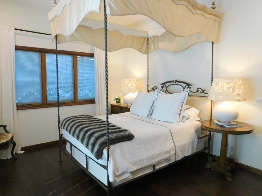 4TH BEDROOM HAS KING CANOPY BED