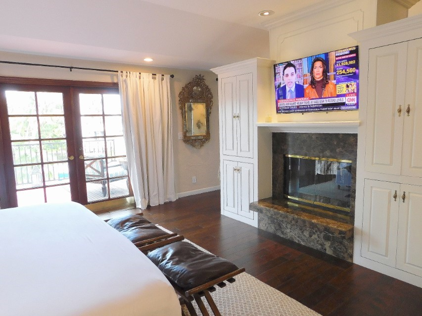 MASTER SUITE HAS A FIREPLACE