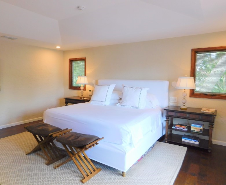 MASTER SUITE HAS TV AND KING BED