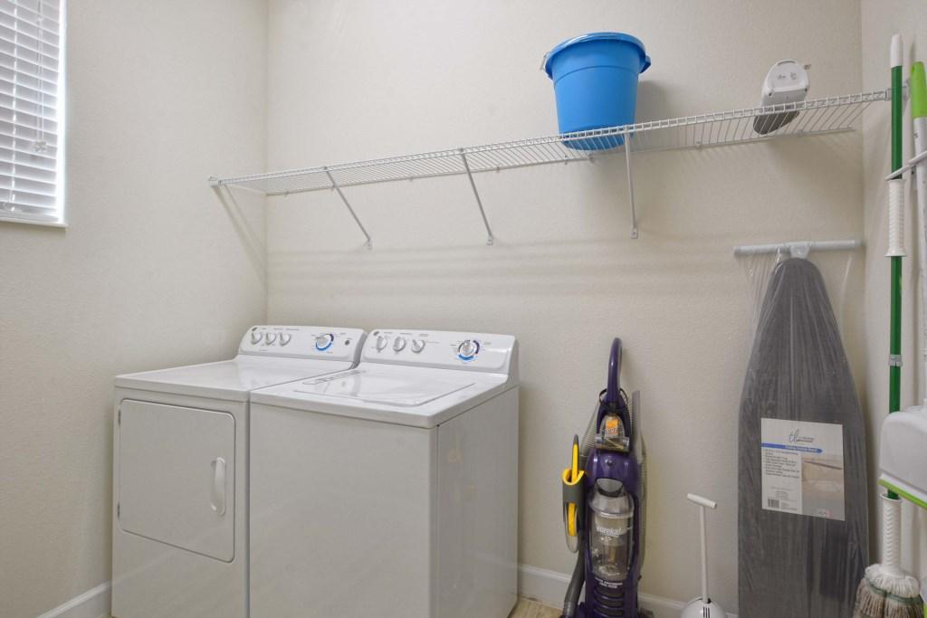 33-Laundry Room.jpg