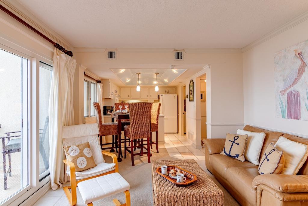 Living Room/Dining Room/ Kitchen