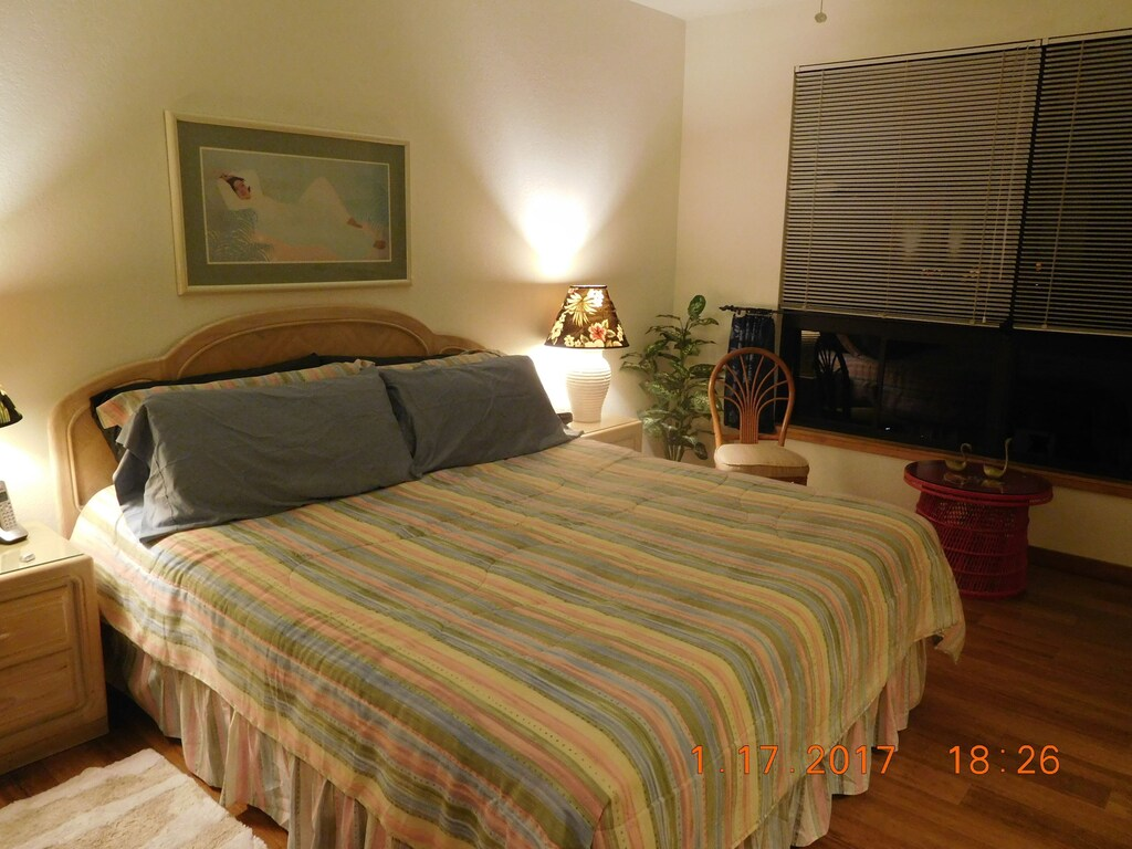 very comfortable bed, quality linens