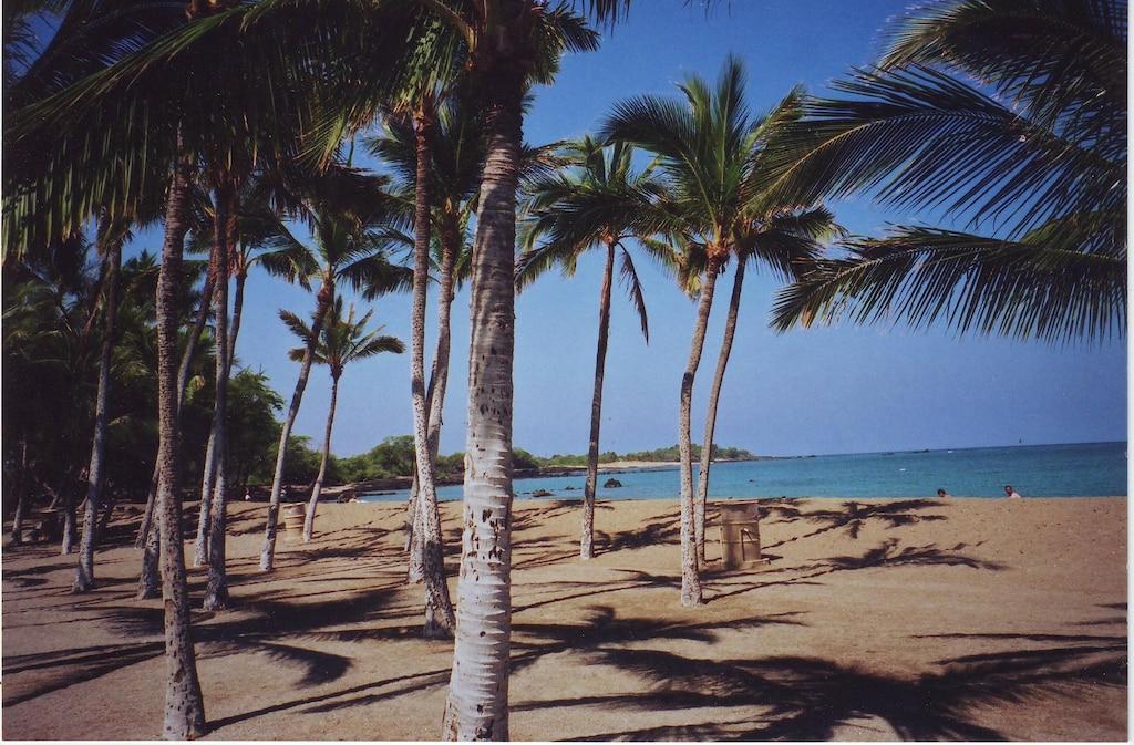 beautiful Anaeho'omalu Bay,