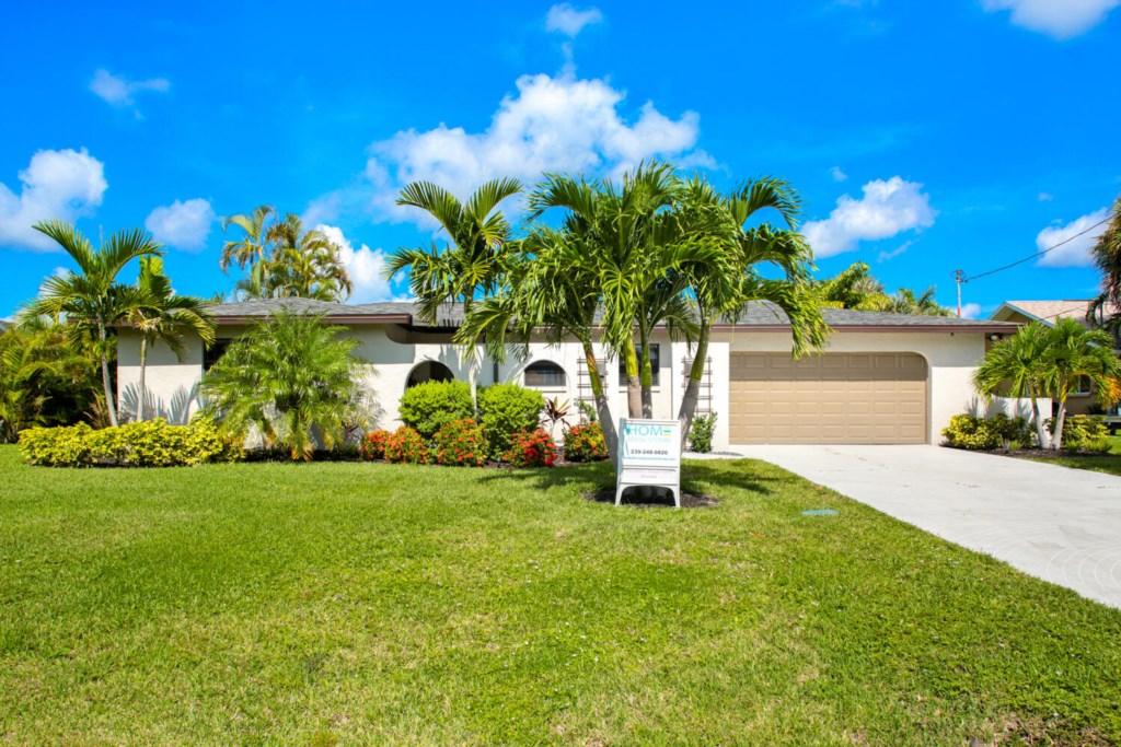 5318 SW 11th Ave Cape Coral FL-large-002-035-3K0A25061-1500x1000-72dpi.jpg