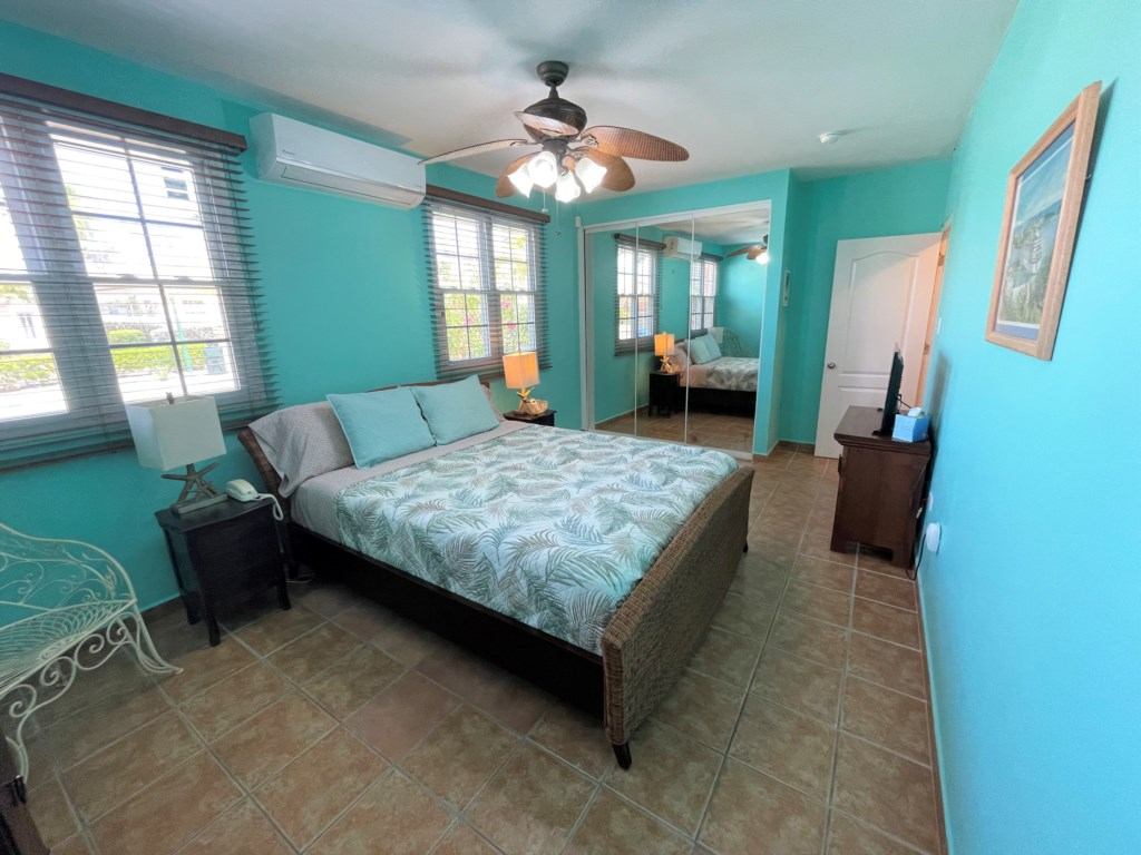 Comfortable bedroom with king size bed and En Suite Bathroom