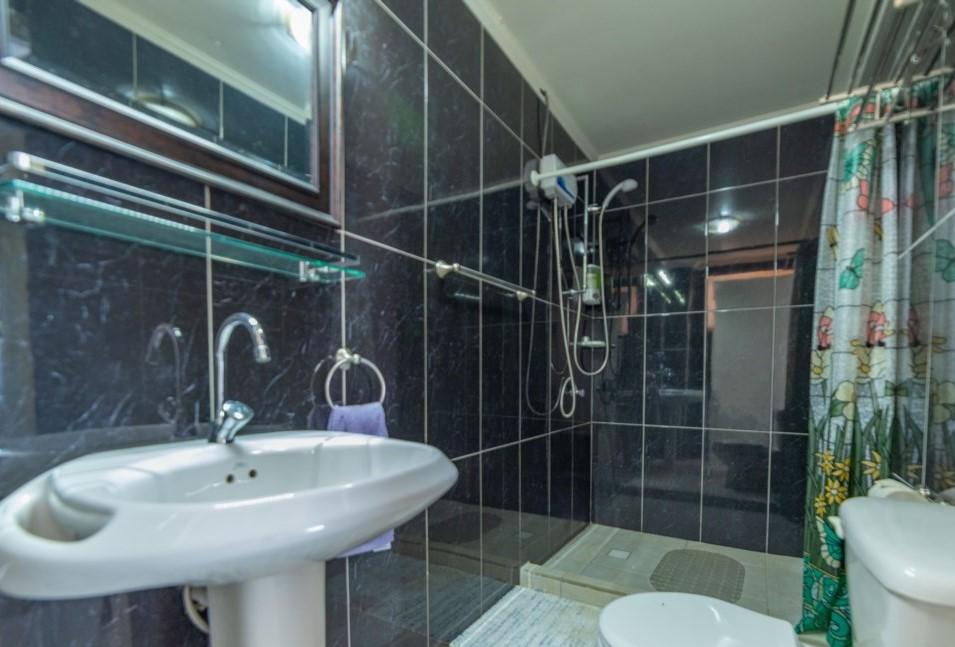 Apartment Private Bathroom
