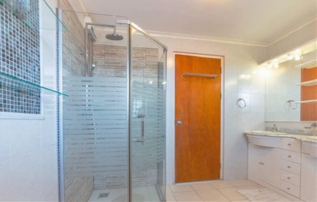 Shared Batrhoom with Shower
