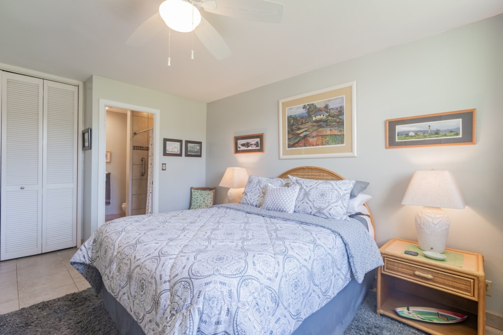 Bedroom - Queen Size Bed