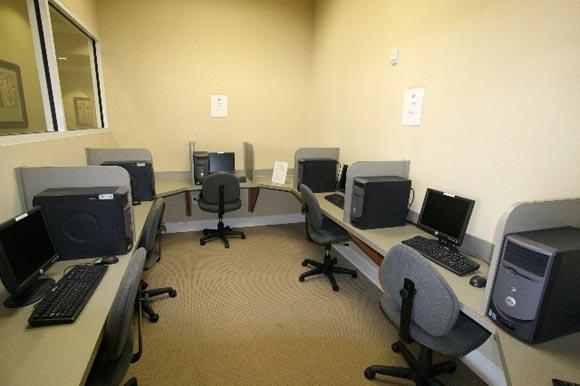Cybercafe.jpg