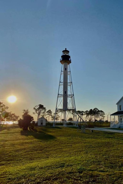 Downtown Port St Joe is less than a 5 minute drive East with  great restaurants and boutique shops
