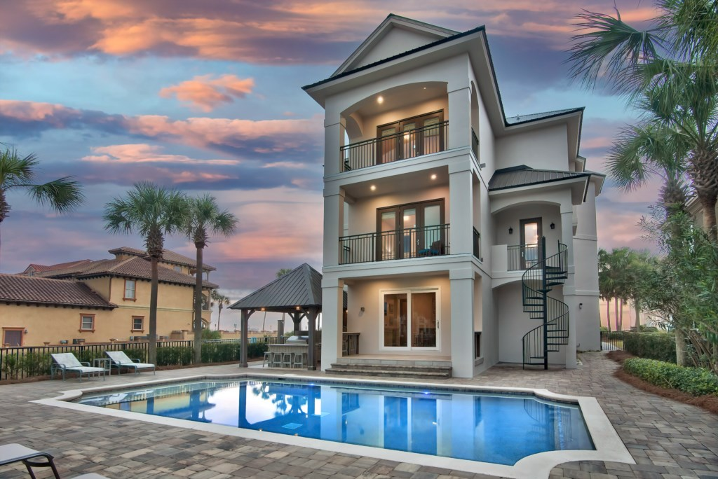 Watch magnificant Sunsets from your pool oasis